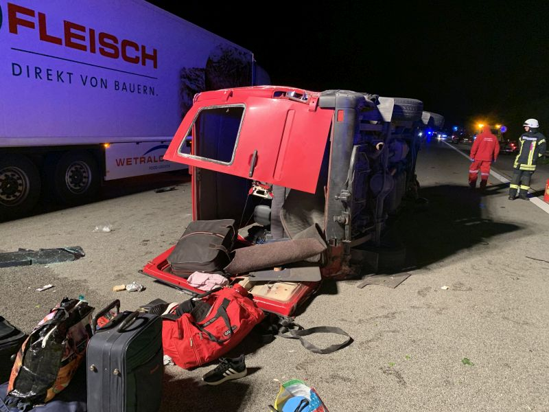 07.05.2019 23:02 Uhr | TH nach Verkehrsunfall; MANV, A 3 Fahrtrichtung Frankfurt
