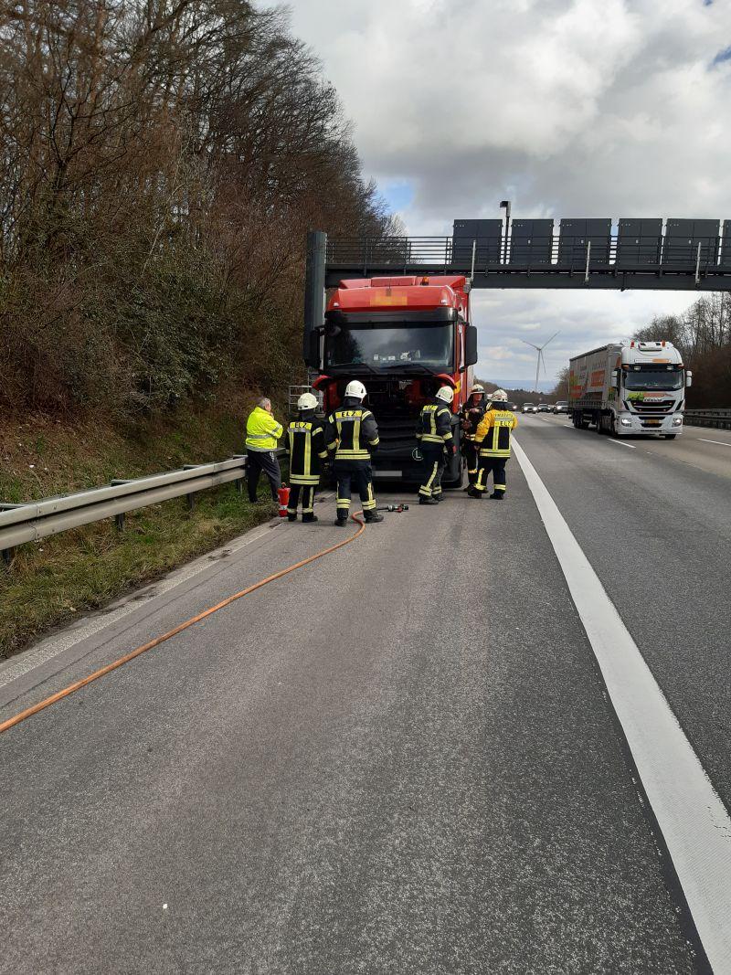 04.03. 12:27 Uhr | Brandeinsatz Lkw, A3 Fahrtrichtung Köln