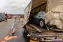 Öl-Alarm nach Lkw-Unfall auf der Autobahn
