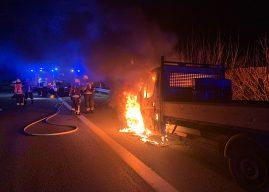 Erneuter Fahrzeugbrand auf der Autobahn