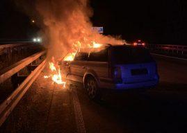 Pkw-Brand auf der Autobahn hinterlässt Fragezeichen